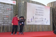 劉福嬌及劉書田演唱客家山歌。