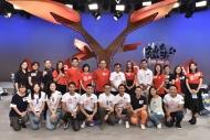 香港电台与香港红十字会第二年携手合作,艺人联同港台代表一起呼吁大众一起卷起衣袖,捐血救人。