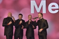 A capella Metro Vocal Group performed a joyful Christmas song.